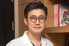 韩国面部轮廓整形专家哪个好